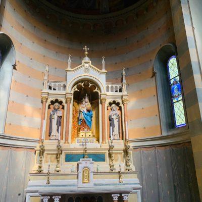 Interni chiesa san mamante Lizzano in Belvedere